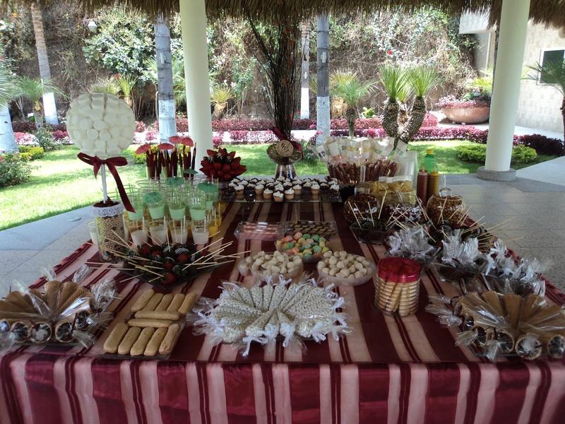 Mesa de dulces y salados para boda memories for Mesa de dulces boda